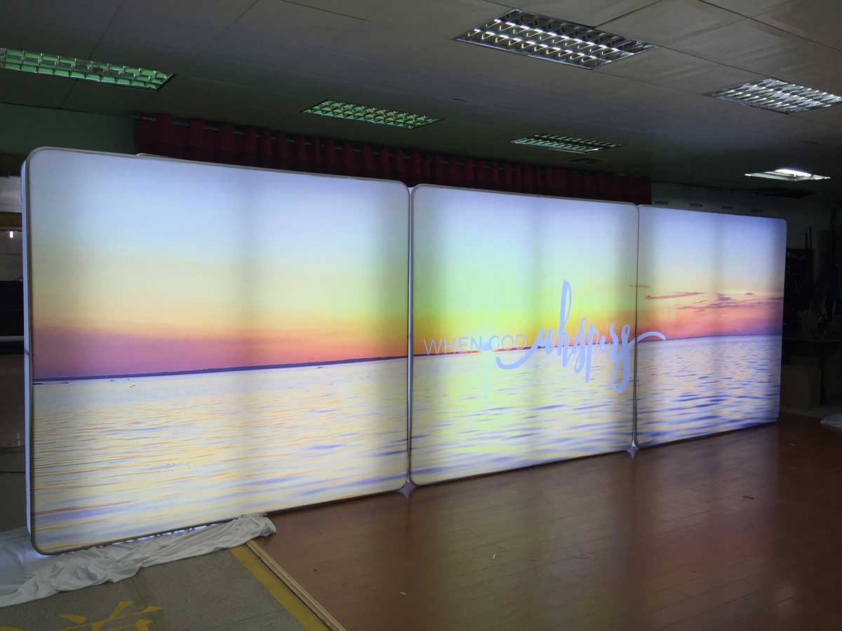 Portable Exhibition Lighting : Led lightbox completely portable for tradeshows free